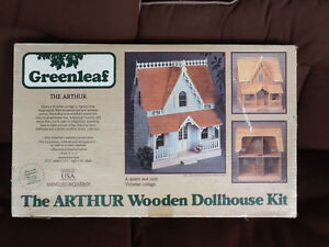 DOLLHOUSE Greenleaf The Arthur