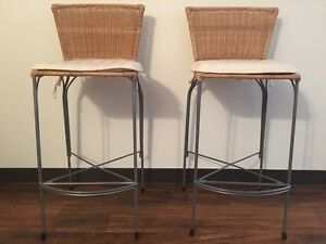 2 Tabourets / Stool 26.5'', 25$ ch.