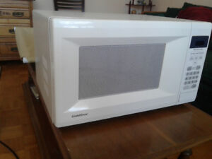 Microwave oven,  used