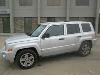 2010 JEEP PATRIOT 4 x 4, GREAT ON GAS! Base Model