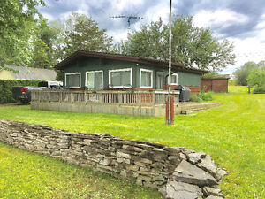 Cottage for sale  Campbellford Ont area