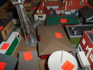HO SCALE TRAINS , ENGINES, TRACK , ACCESSORIES, GREAT PRICES London Ontario image 2