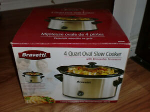 Bravetti 4 Quart Oval Slow Cooker