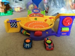 FISHER-PRICE LIL RACERS