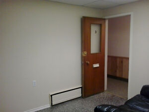 COMMERCIAL 4 ROOM SUITE