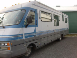 34Ft RV  MOTOR HOME READY !!TO HEAD SOUTH   CERTIFIED