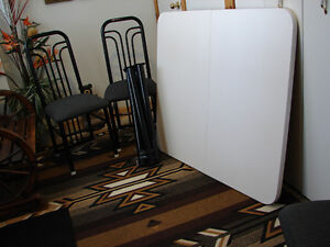Arborite Kitchen Table and 4 chairs