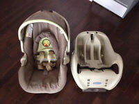 Graco Car Seat: rear-facing for children 4-30 lb (include base)