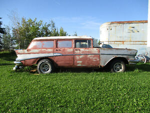 1957 Chevrolet 4 dr - Station Wagon