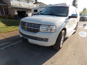 FOR SALE: 2008 Lincoln Navigator in exceptional condition