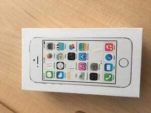 White Apple iPhone 5s 32 GB Kitchener / Waterloo Kitchener Area image 7