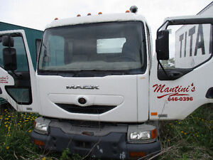 PARTING OUT Mack XXL, 2002, White, #0123