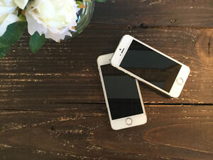 2 cellulaires I- Phone 5 S couleur Gold