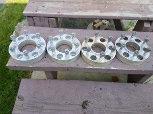 """Ford  2"""" wheel spacers 6×135 bolt pattern"""