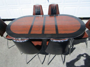 VINTAGE KITCHEN TABLE AND CHAIRS BY CORONET FURNITURE