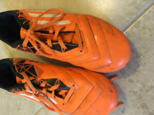 Youth Soccer cleats-size US6
