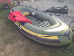 hunter fisher inflatable zodiac boat complete with 5hp motor