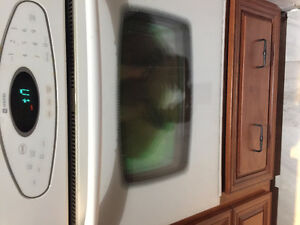 Maytag Convection wall oven very good conditon Cambridge Kitchener Area image 2