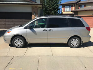 Toyota Sienna 2006 Very Low Km (104420)