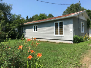 3 BEDROOM HOUSE AND LARGE GARAGE FOR RENT