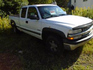 2001 Chevrolet C/K Pickup 1500 4.8 v8 Pickup Truck