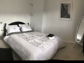 Large double bedroom in the Lace Market fully furnished