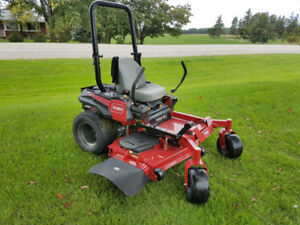 TITAN HD 1500 Series Toro Mower (Model 74452)