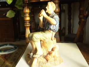 "Royal Doulton Figurine - "" Dreamweaver "" HN 2283 Kitchener / Waterloo Kitchener Area image 2"