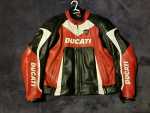 Ducati Dainese - perforated leather and armoured w/lining