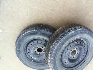 215/60/15  Artic Claw winter Tires on steel rims  GARPRAT