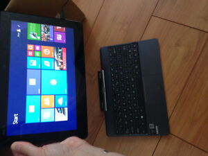 Asus- laptop / tablet in one- touch screen London Ontario image 4
