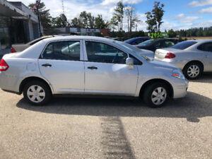 Nissan Versa Low 108 km auto cert 3990$705 333 3355