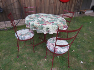 Wrought Iron Bistro  Patio Table Set with 4 Chairs