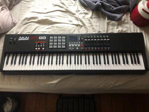 Akai MPK 88 Midi-Controller *MINT* Piano