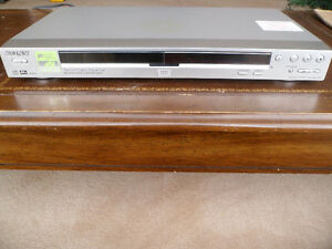 Sony CD/DVD Player (DVP-NS725P) Complete With Remote Control Windsor Region Ontario image 3