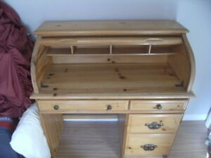 SOLID WOOD ROLL TOP DESK FOR SALE