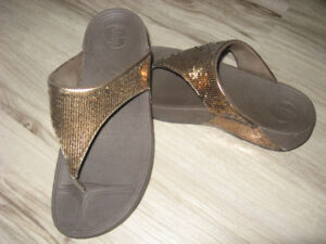 """FitFlops """"Electra"""" Gold Sequins  Size 10"""