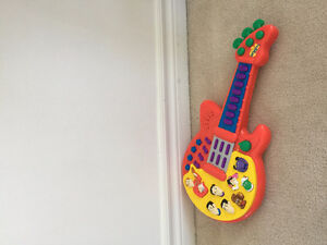 The Wiggles Guitar Toy Sing and Dance -Excellent, Clean