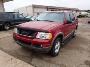2002 Ford Explorer XLT 4WD w/ third row seating