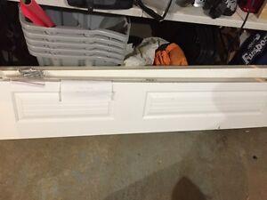 2 Folding closet doors