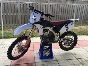 Dirt Bike for sale, Mint Condition! Kingston Kingston Area image 1