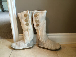 Women's Knit Uggs, Size 6 REDUCED