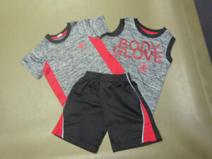 "BOYS SIZE 4 ""BODY GLOVE"" .....2 TOPS AND  1 SHORTS"