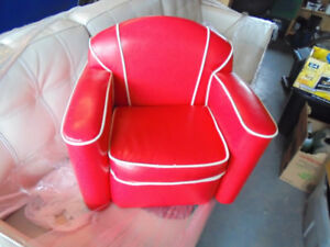 Doll house, baby chair