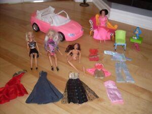 Barbie articulées, vêtements, meubles et auto Corvette