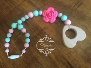Fidgets - Silicone and wood teething necklaces toys & more Kitchener / Waterloo Kitchener Area image 4