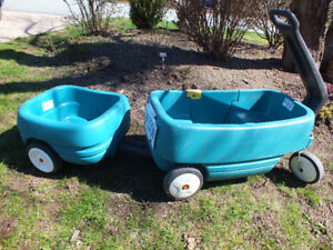 Toddlers Two Step Wagon with Tag A-Long