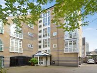 2 bedroom flat in Eleanor Close, Rotherhithe SE16