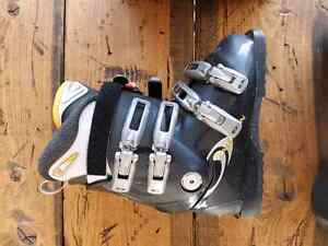 Womens Size 24.5 Salomon Ski Boots