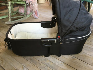 Valco baby bassinet and car seat adapter London Ontario image 1